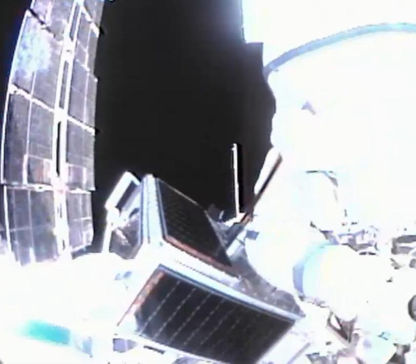 Photos start ARISSat-1/KEDR