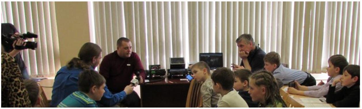 Радиосвязь детского радиоклуба R8AM центра внешкольной работы с экипажем 43-й экспедиции МКС