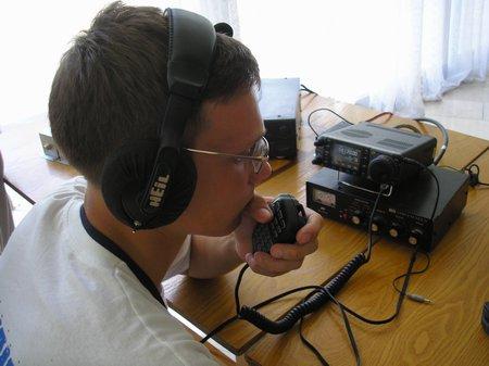 Славянское содружество 2007. Кирилл Коротько (rd3wd) проводит связи на КВ диапазоне