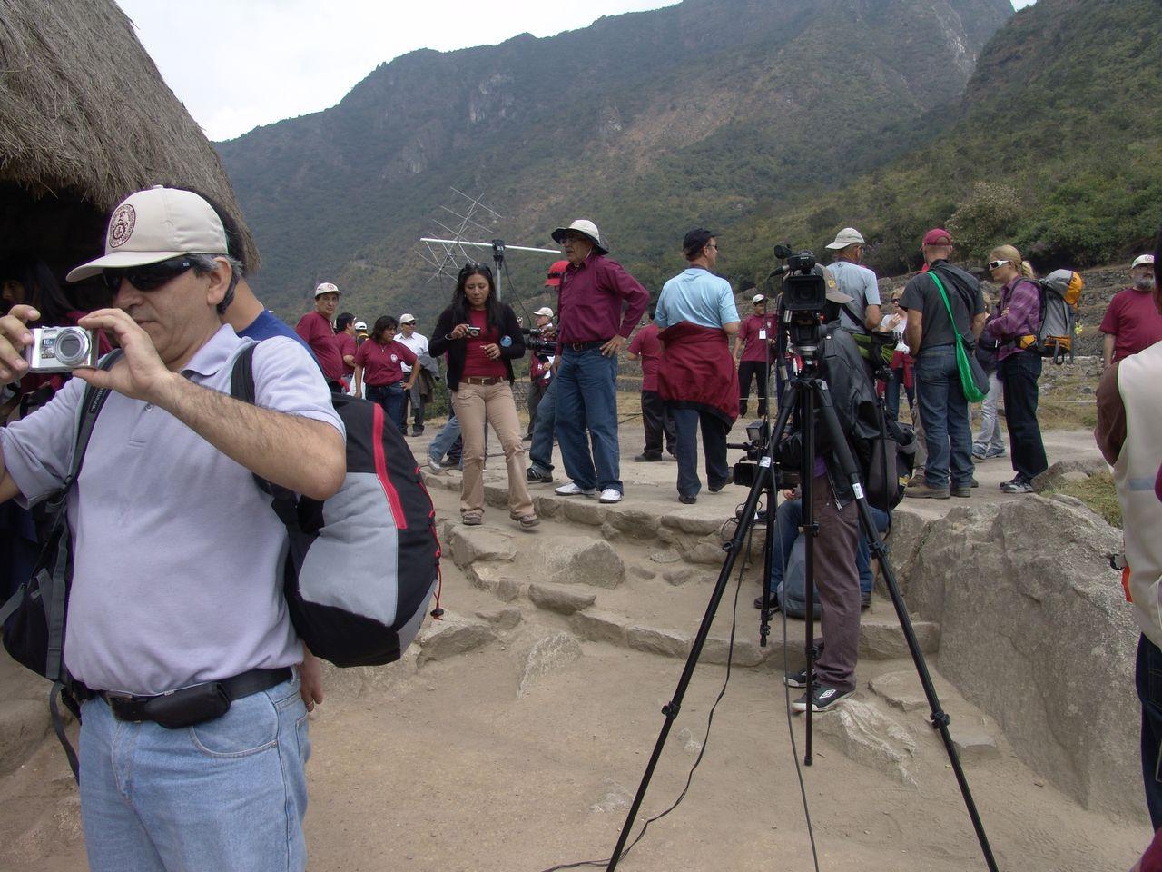 Радиосвязь с 24-ым экипажем МКС из Мачо-Пикчу